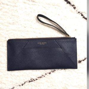 Pre loved ❤️ Henri Bendel leather wristlet